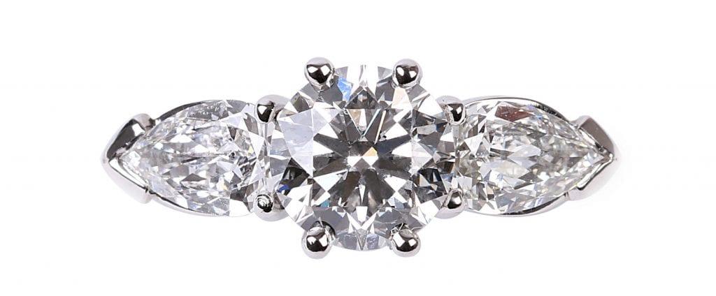 Wie Finde Ich Den Richtigen Verlobungsring Juwelier Egger