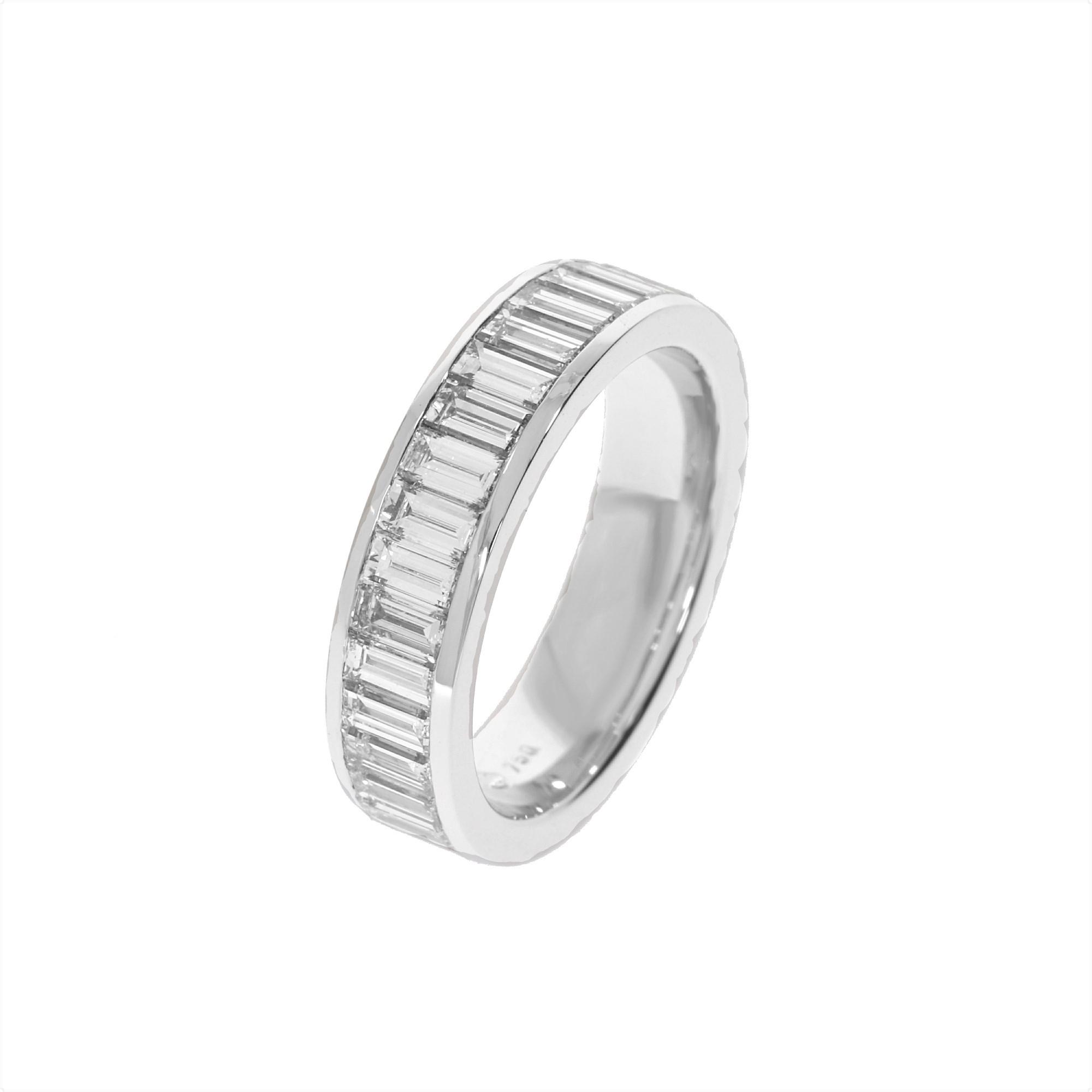memoire-ring-weißgold-18k-baguette-diamanten